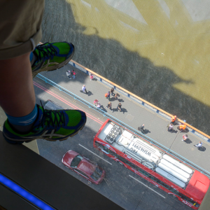 Glasgolvet,-Tower-Bridge,-London