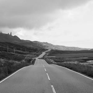 Skye–sten-syns-från-vägen