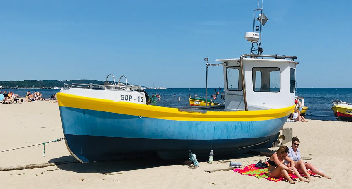Fiskebåt på stranden